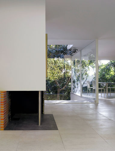 Barton Phelps, FAIA, brings back some of this home's existing design elements and details (including the restoration of a hidden asymmetrical firebox) in the style of Richard Neutra, the original architect.