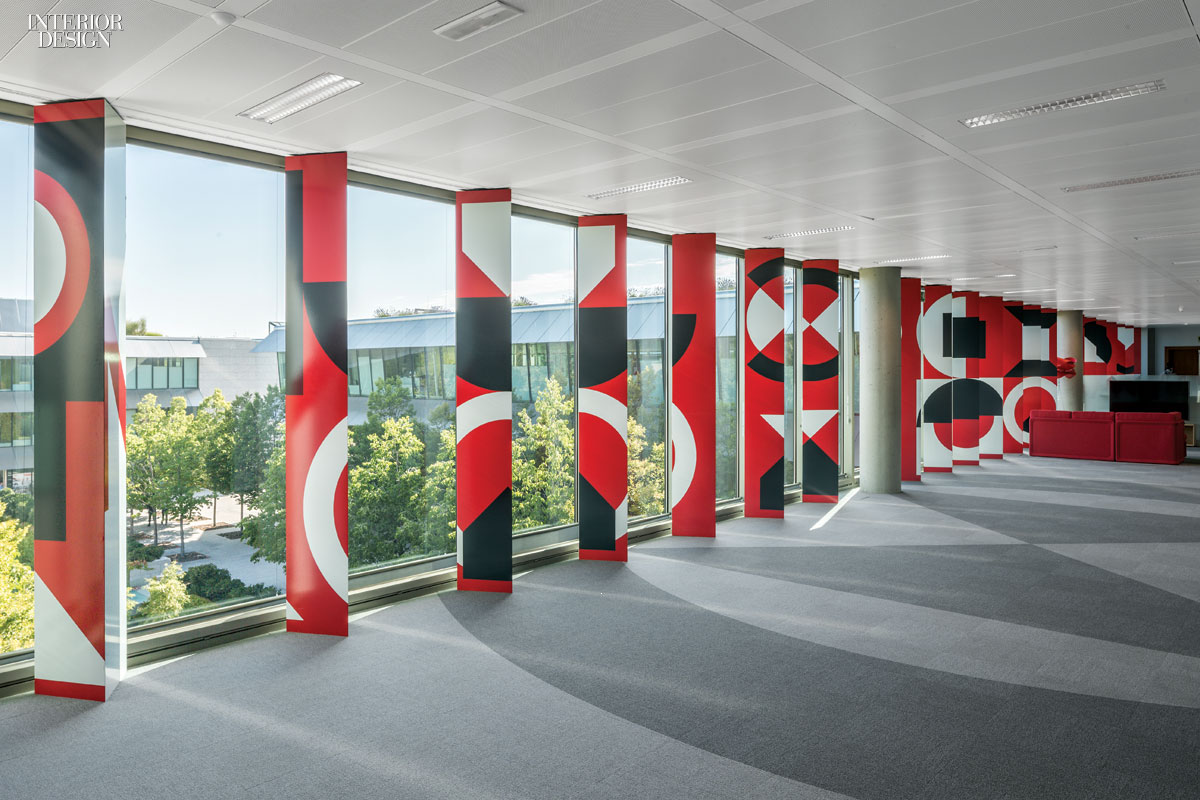 2x4 designs graphics for banco santander hq in madrid for Banco santander abierto sabado madrid