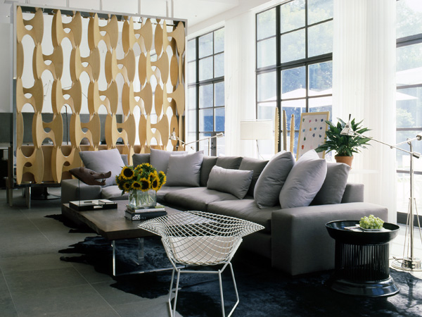A family room in New York by Vicente Wolf Associates. Photo courtesy of Vicente Wolf Associates. Photo courtesy of Vicente Wolf.