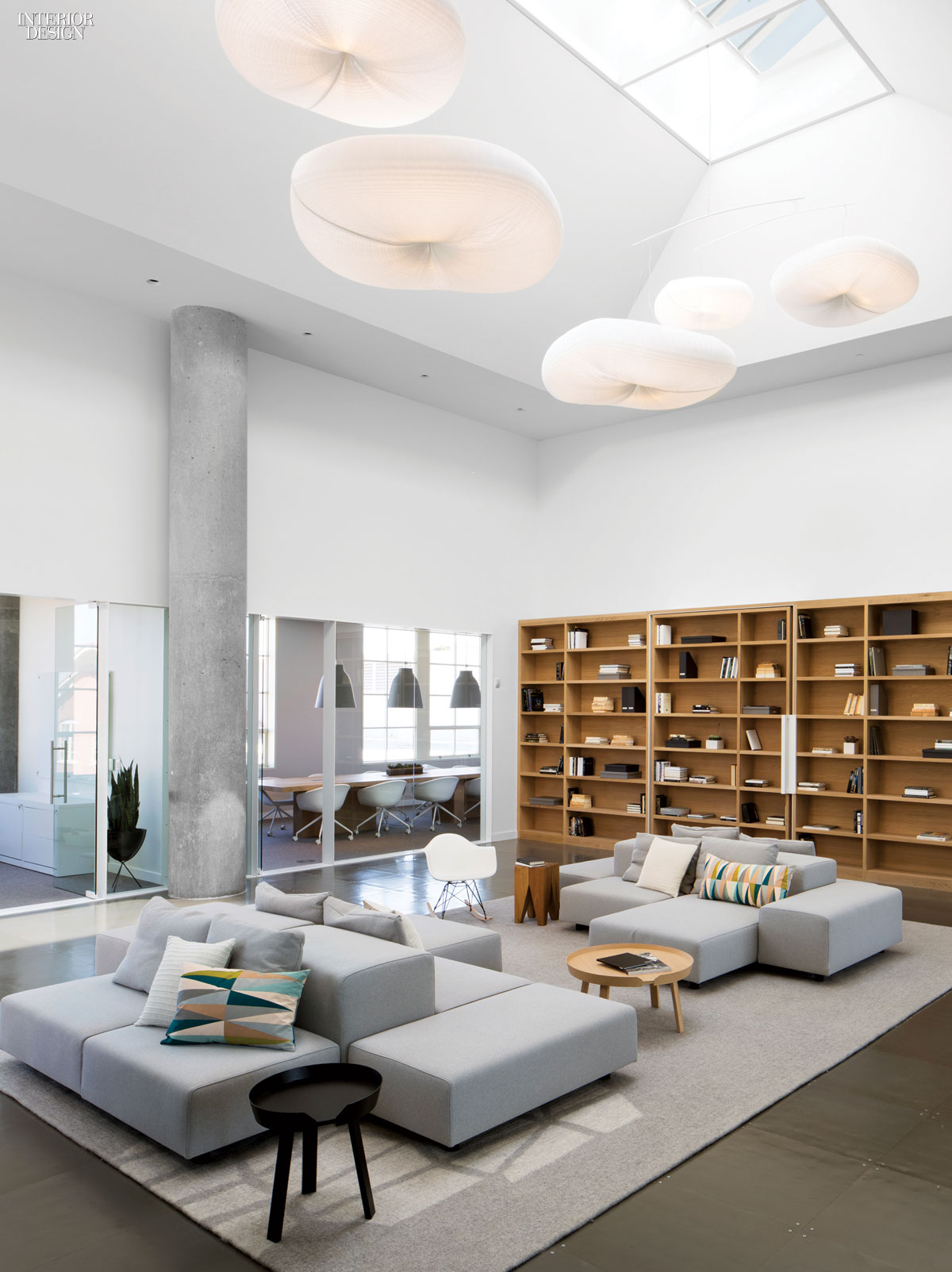 2014 boy winner small corporate office for Corporate interior design