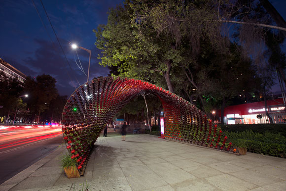 Nescafé commissioned Michel Rojkind of Rojkind Arquitectos and a team of 7 artists for a Mexico City sculpture.