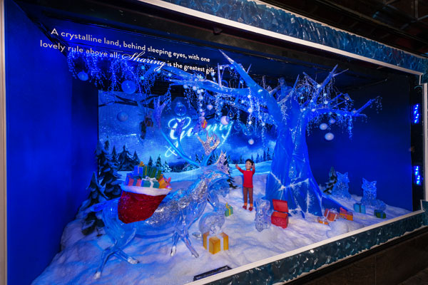 macys-new-york-holiday-window-decorations.jpg